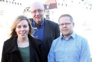 Tre personer som driver frågan att tillåta transportfordon upp till 74 ton på Sveriges vägar. Jessica Rosencrantz (M), vice ordförande i riksdagens trafikutskott, Ulf Berg (M), ledamot i miljö och jordbruksutskottet och moderaternas landsbygdspolitiske talesperson och Patrick Magnusson, regionchef i Sveriges åkeriföretag.