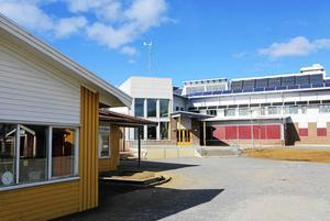 En elev på Ås skola drabbas av att Krokoms kommun har dragit in skolskjutsen för barn med växelvis boende.