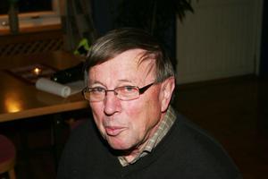 Håkan Larsson har ständigt pläderar för höjda föreningsanslag. I torsdags fick han alla med sig.