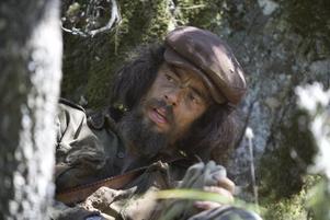 """S:t Che. Benicio Del Toro spelar ett revolutionärt helgon utan gränser i """"Che – gerillaledaren""""."""