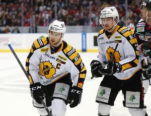 Skellefteå, här i form av Joakim Lindström, till vänster, återkommer till Strömsund. Besöket blir två dagar långt, där man avslutar med träningsmatch mot Mora, 6 september.