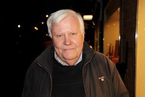 Olof Gumaelius, 80 år, pensionär, Falun:–Jag minns honom som sonen till handlare Hellsing i Västanfors där jag växte upp.