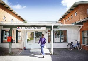 På Brunflo hälsocentral är läkarbristen akut. Eftersom det råder brist i hela landet är det svårt att rekrytera.