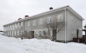 Arbrås tidigare kommunalhus i kvarteret Häradsdomaren har bytt ägare.