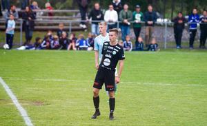 Adam Gyllsten nätade direkt i A-lagsdebuten för VSK Fotboll.