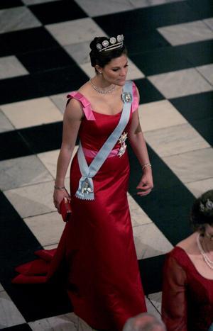 2007. Victoria bar den här Engshedenklänningen på en galakväll vid ett tredagars statsbesök i Danmark.