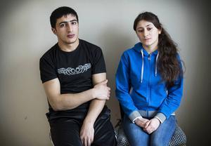 """Amer Beshir och Leyla Ibrahim har fått byborna i Trångsviken där de bor att vädja till Migrationsverket att pröva deras fall på nytt. """"Vi som bor i Trångsviken vill se att Sverige visar medmänsklighet"""", skriver de."""