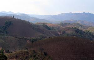 Staffan Nordstrand fick inte ta med kamera när han träffade sina kontakter. Men på höjder som dessa odlas opium i norra Laos och Thailand.