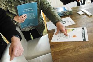 Två av tre mäklare anger i undersökningen att folk är mer benägna att köpa en bostad om det är nymålat och man får känslan av att det är klart att flytta in. Bilden är tagen i samband med en visning.
