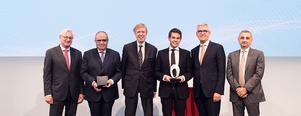 Peter Voser, Ordförande i ABB: s styrelse; Professor Ronnie Belmans, KU Leuven; Hubertus von Gruenberg, tidigare styrelseordförande i ABB;