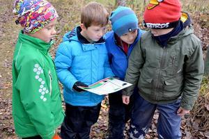 Eleverna fick kartor som de själva skulle tyda för att hitta kontrollerna.