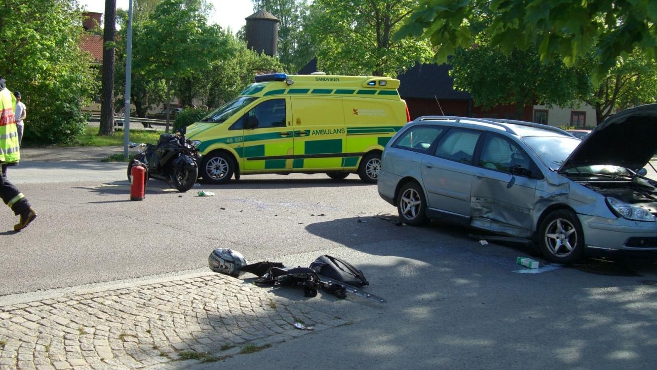 17 aring omkom vid trafikolycka