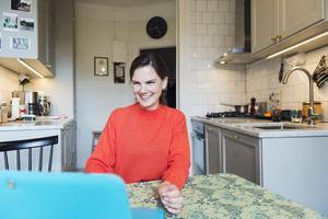 Genom att använda ett ritprogram i datorn blir det lättare att föreställa sig hur en renovering eller ommöblering blir. Karin Günther tog hjälp av ett 3D-program för att planera renoveringen av sitt kök.