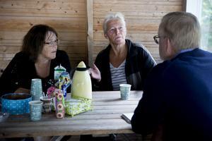 Åsa Söderlnd (till vänster) och Ann-Sofie Hammarström brinner får sin hembygd och föreningen Gussjö IF.