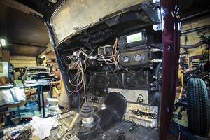 En Ford Tudor 1934 som får elektronik från 2000-talet under instrumentpanelen.