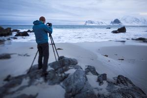 Magnus Lindblom leder fotoresor till Island.