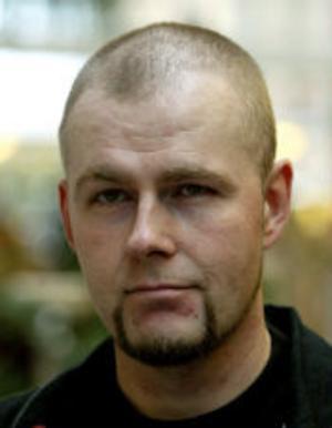 Henric Grubbström, 37, studerande, Sundsvall:–Fem år sedan. Jag såg Brott och straff och tyckte den var jättebra. Men det kanske man alltid tycker när man går sällan och inte har så mycket att jämföra med.