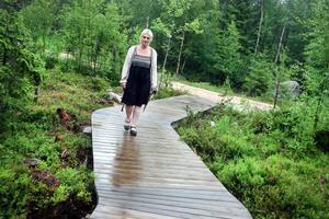Det går framåt för Helena Brusells trolska skog.