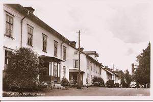 Det första bostadsområdet Torget vid sågverket byggdes år 1870.