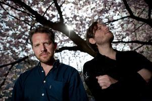 """från reeperbahn-låt. """"Det är egentligen en gammal Reeperbahn-låt"""", avslöjar Philip Esktröm på frågan om var bandnamnet Det vackra livet kommer ifrån."""