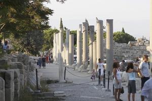 Side i Turkiet är en stor charterdestination med fina antika lämningar.