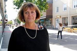 Regionrådet Hannah-Karin Linck, C, vill kraftigt minska användningen av hyrpersonal i hälso.- och sjukvården. Det kommer att förbättra kontinuiteten i vården, tror hon.
