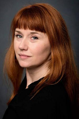 Regissören Kajsa Isakson är första värvningen till Folkteaterns nya lag av konstnärliga ledare.   Foto: Folkteatern