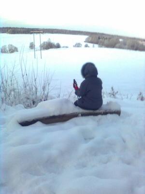 Vår pausbänk med utsikt över Svartån i Skultuna.