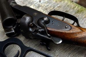 Tömd. Det är viktigt att kontrollera att vapnen är helt tömda på ammunition efter varje skjutning. Foto:Jan Dalevall