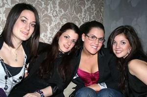 Tabazco. Joanna, Mariam, Evi och Eleni