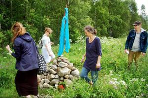 Staffan Schönbergs Faluröd jämtländsk ovoo är inspirerad av schamanistisk-buddistisk tradition från Mongoliet.