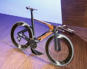 En cykel på en bilsalong? Jovisst, om den kommer från Peugeot! Onyx Concept Bike har ram, hjul och sadel gjorda i kolfiber. Växelpaketet kommer från Shimano och heter Dura-Ace Di2.