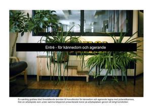 Ett femtontal av polaroidbilderna överförda till grafiska tryck ingår i installationen.