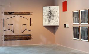 I sin nya samlingsutställning utforskar Västerås konstmuseum den abstrakta konsten.
