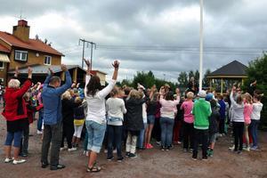 Barn- och utbildningsnämnden räknar med att behöva bygga ut Enbacka skola i Gustafs inom ett par år. Bilden är tagen i samband med höstterminens start.