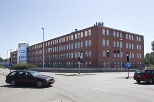 Skola här? Fastighetsägaren vill få in skola, handel och kontor i den stora byggnaden.foto: kenneth hudd
