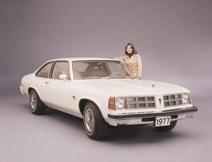 En Pontiac Ventura SJ från 1977. General Motors lade ned tillverkningen av Pontiac 2009.