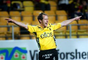 Johan Karlsson gjorde två mål och bidrog i högsta grad till att Elfsborg nu jagat i fatt Kalmar FF i  den allsvenska guldstriden. Foto: SCANPIX
