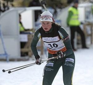 Victoria Karlsson ställs mot Norges bästa skidskyttar.