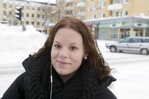 Malin Björk, Gävle, 19:– Nej, bocken ska brinna! Helst runt lucia tycker jag.