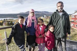 Familjen Siraj från Etiopen hoppas på en framtid i Sverige.