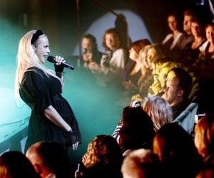FEBRUARI. Idolvinnaren Marie Picasso drog ned applåder när hon uppträdde på konserthuset. Att bli Idol-vinnare måste vara något av det svåraste man kan bli i musik-Sverige skrev Arbetarbladets Erik Süss i sin recension.FOTO: Stefan Tkatjenko