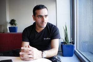 Mehmet Cakici var skiljd från sina barn i ett år men nu är han tillbaka i Sverige och Gävle igen.