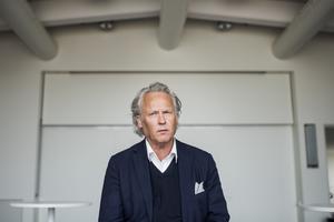Klas Östergren hyllas av båda våra kritiker.