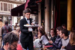 Frankrike får ofta klagomål för sitt bemötande.
