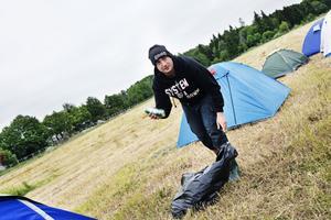 Artin Ghookassi var först av besökarna att slå upp sitt tält på Get aways festivalcamping.