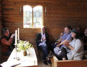 Gästerna uppskattade dragspelsmusiken som Erik Brun bjöd på.