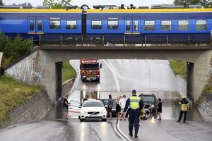 Under järnvägsviadukten vid Parkgatan blev det totalstopp för några bilister.