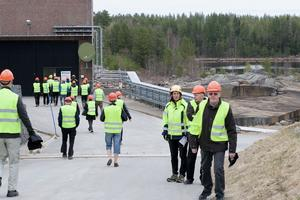 En strid ström av besökare kom till Svegs kraftverk under söndagen.