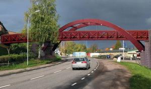 Så här kommer gångbron över E 14 utanför Dvärsätt att se ut. Fotomontage